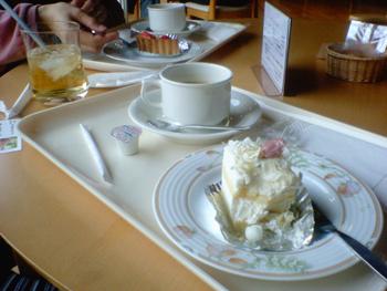 奥飛騨温泉郷アレスグーテのケーキ