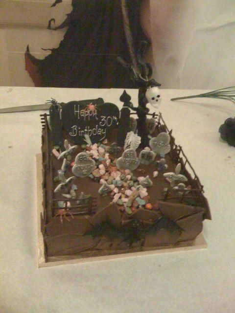 weird_and_creepy_cakes_28
