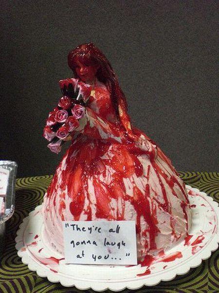 weird_and_creepy_cakes_06