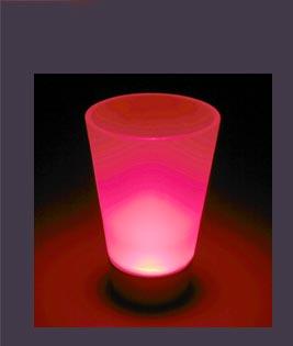 光るショットグラス02