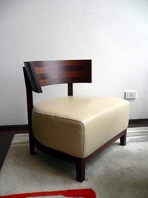 メトロポリタンバンコク - フロントの椅子02
