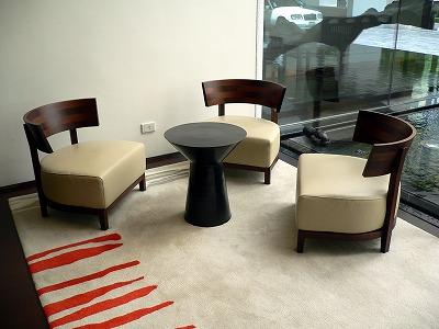 メトロポリタンバンコク - フロントの椅子01