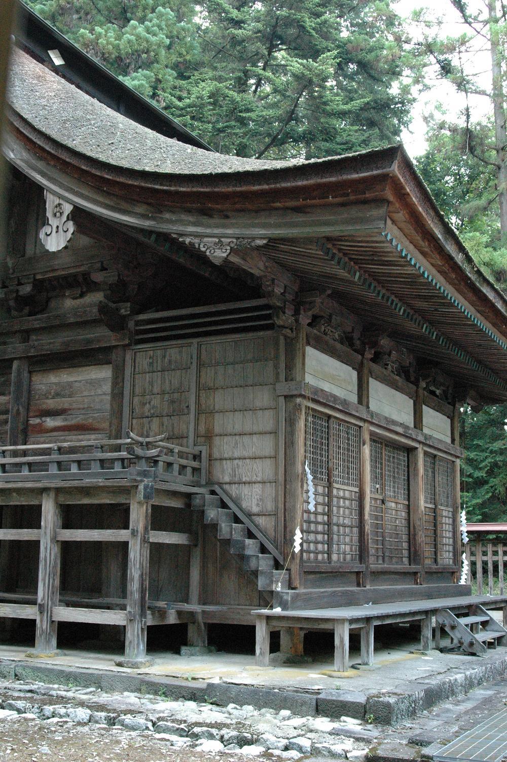 武田八幡神社本堂