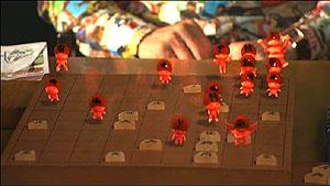 ハチワン4話赤く燃える駒たち