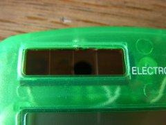 ソーラー電卓 太陽電池
