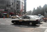 パトカーに似た車
