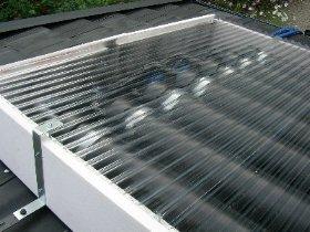塩ビパイプを使った手作り太陽熱温水器