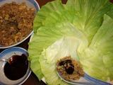 豚肉そぼろ炒めレタス包み(生菜包肉粔)の完成