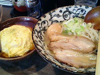 左は煮干、右はカツオ、ああ・・・日本人でよかった