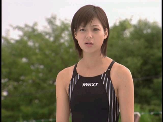 競泳水着の相武紗季
