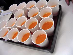 Oisix(おいしっくす)の完熟トマトと発芽ビーンズの冷たいスープ