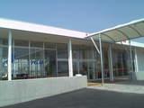 浜園旅客ターミナルを桟橋側から・FMスタジオ(左側)とハローエッグカフェ(右側)